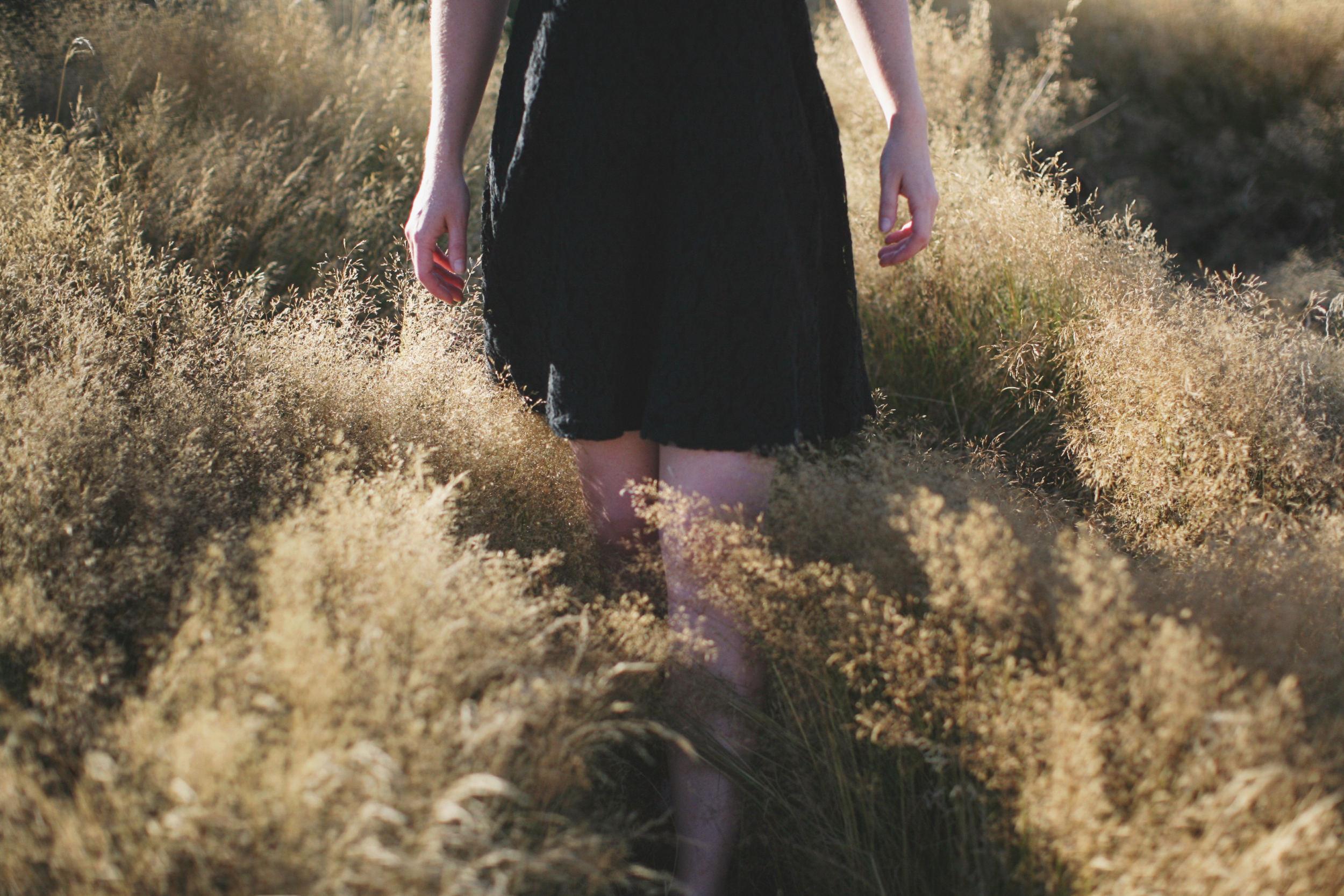 girl in grass new zealand