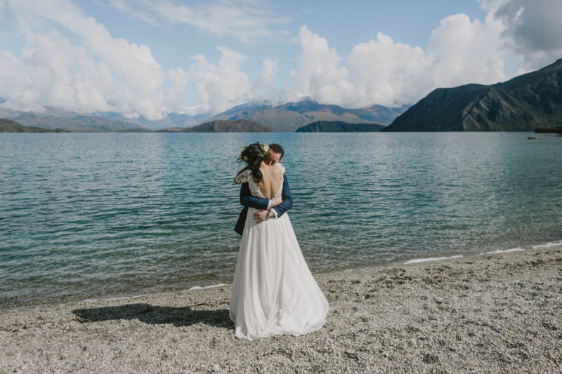 first look hug on lake wanaka