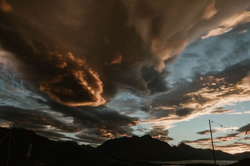 stunning clouds sunset over queenstown